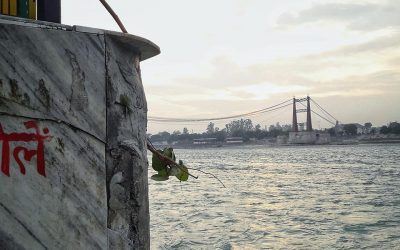Ripiego le vele spiegate al vento  –  di Chiara Testa